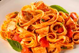 Fetuccini de Pollo Romano