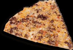 Porción pizza maíz y tocineta