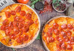 Combo 2 Pizzas Pepperoni Medianas + Gaseosa 1.5 lt