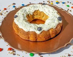 Torta de vainilla, limón y arándanos