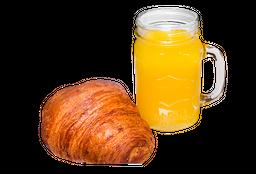 Croissant mantequilla 🥐 + Jugo de Naranja 🍹