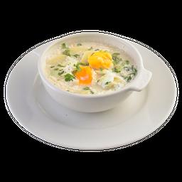 Caldo con Huevo