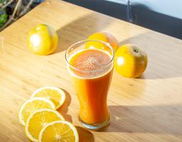 Jugo de zanahoria-naranja