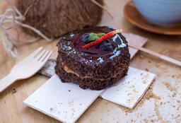 Brownie con frutos rojos y helado