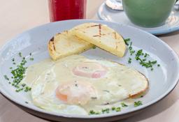 Huevos Fritos con salsa de Queso Azul