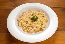 Pasta Fetuccini a la Carbonara
