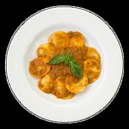 Ravioli o Tortellini A La Bolognese