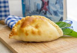 Empanada Jamón y Queso.