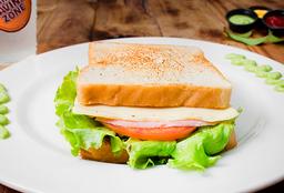 2x1 Sandwich de Jamon y queso + Bebida