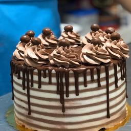 Cake de Vainilla y Milo Entera