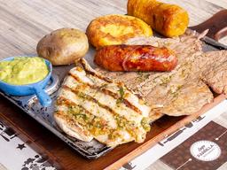 🍽  Parrillada ( Res, Pechuga y Chorizo)