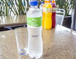 Agua 600 ml con gas