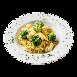 Combo Pasta Gratinada Pollo Brócoli