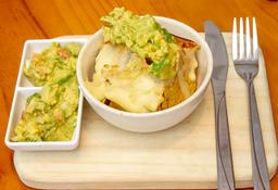 X2 Nachos gratinados con guacamole