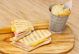 🥪 Sándwich Jamón y Queso