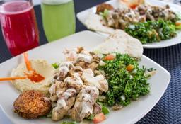 2 platos shawarmas + 2 bebidas del día