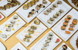 30 piezas de sushi