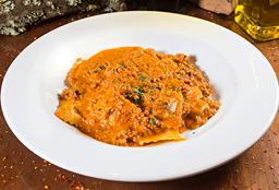 Ravioli de Ternera Salsa de Carne y Hongos
