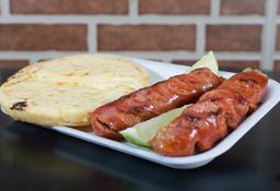 Chorizo y Arepa de Queso