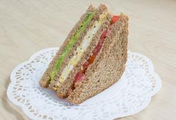 🥪 Sándwich Triple (Vegetariano)