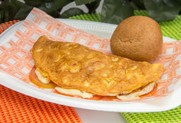 Omelet Queso y Tomate