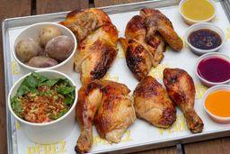 1 Pollo + 4 salsas + 2 acompañamientos + 3 gaseosas + Postre