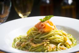 Pasta Pesto E Salmone