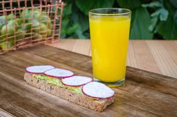 Tartín de Aguacate + Capuccino o Jugo de Naranja