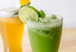 Jugo de limón y hierbabuena