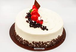 Torta Frutos Rojos 1 Lb. (25 - 30 Porciones)