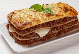 Lasagna Bolognesa y Gaseosa