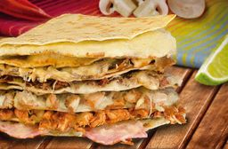 Quesadilla Gringa con Carne