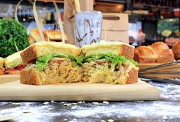 2x1 Sándwich de Pollo y Tocineta