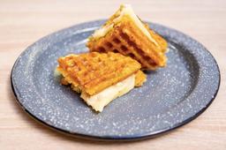 Waffle de Chócolo con  Mozzarella