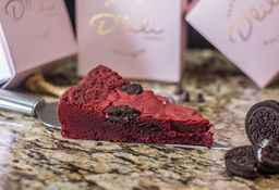 Torta Red Velvet con Oreo Porción