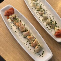 Sushi Camarón Roll