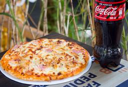 Pizza Pollo y Jamón + Coca-Cola