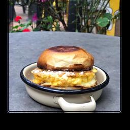 Hamburguesa de Huevo + Jugo mediano