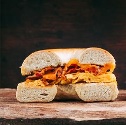 🧀🍳🥓Bagel Sandwich + café ☕