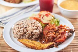 Carne en Bistec + Arroz + Ensalada + Acompañantes + Bebida