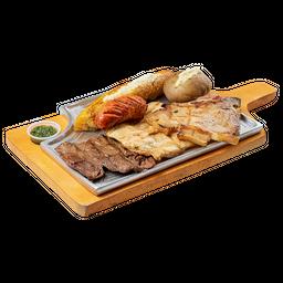Carne de Res + Pollo + Cerdo + Chorizo