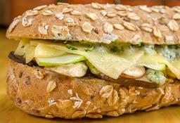 Sandwich Setas Griegas Vegano