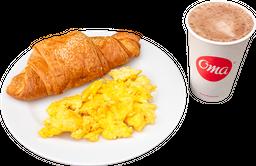 Huevos Revueltos o Fritos + Croissant  + Bebida Caliente