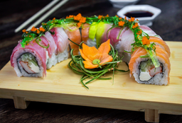 Arcoiris Sushi Roll