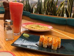 1/2 Sushi Elite + Quinoto de hongos + Limonada de Patilla