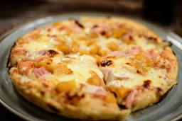 20% off Pizza Honolulu o Samba + limonada