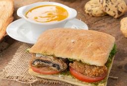 1/2 Sopa del Día + Sándwich + Regalo producto laminado!