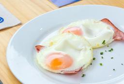 Huevos Fritos con Jamón y Queso