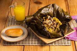 Tamal + Jugo de Naranja + Pan