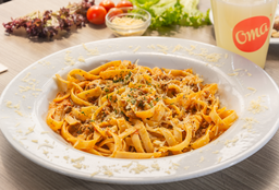 Fettuccine Bolognesa + Limonada Natural